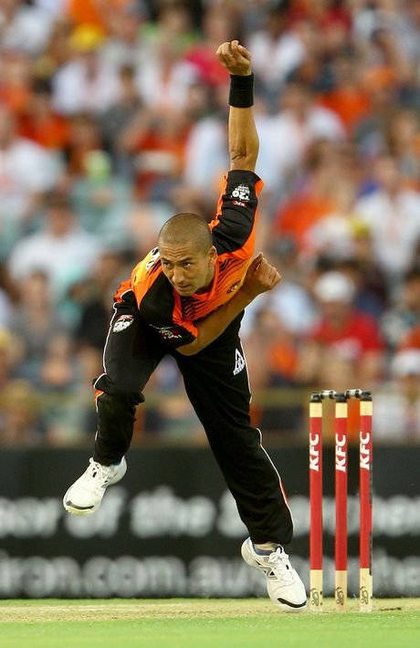 Alfonso Thomas of the Scorchers bowls during the BBL match between the Perth Scorchers and the Sydney Thunder at WACA on January 4, 2013 in Perth, Australia.