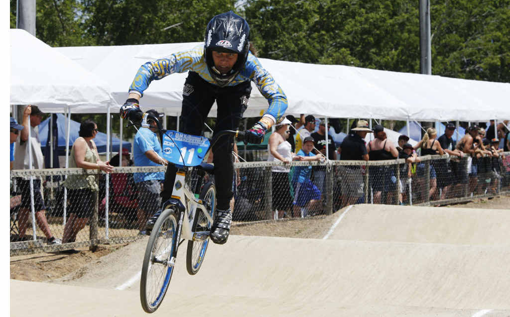 Dion Bromley represented Moranbah at the Queensland BMX State Championships, finishing third in the 13 girls and in the 13–14 girls cruiser.