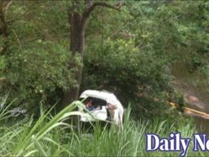 Car plunges into Tweed River