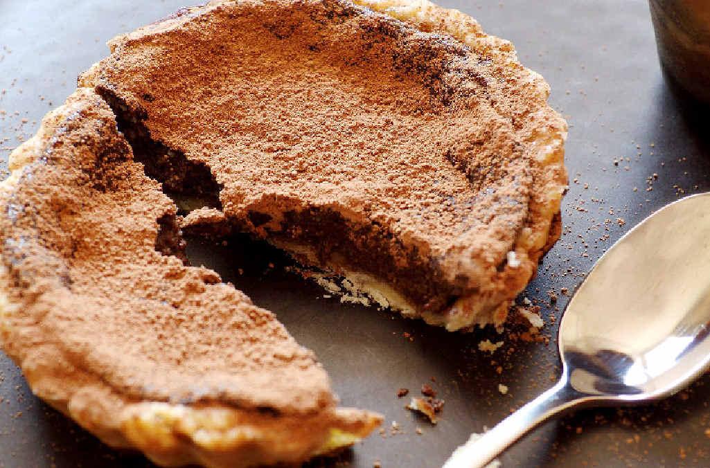 Little chocolate tarts.