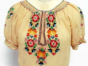 Peasant-style blouses perfect to wear in warmer weather