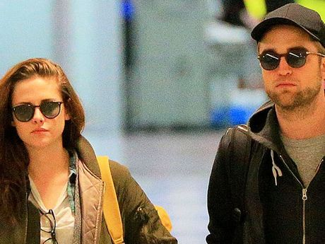 Robert Pattinson and Kristen Stewart have split up.