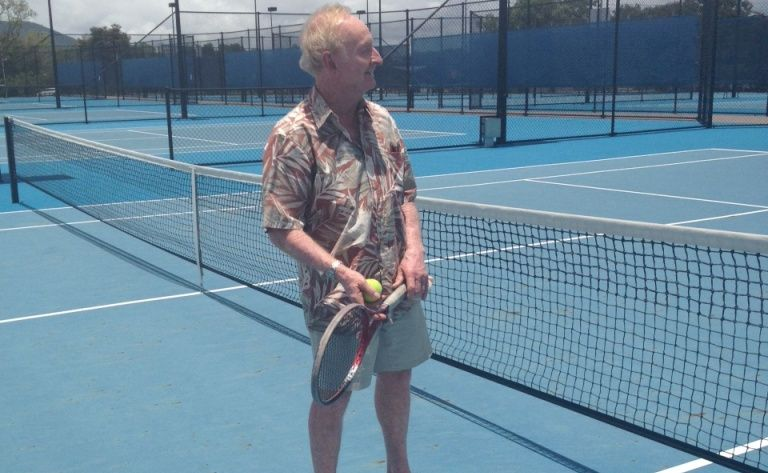 Tennis great Rod Laver popped into the tennis courts at Victoria Park this morning.