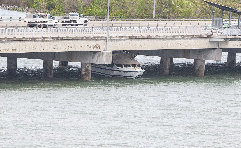 Trimaran trapped under Forgan Bridge.