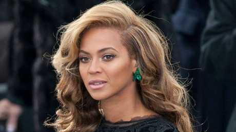 Beyonce singing 'The Star Spangled Banner' in Washington DC.