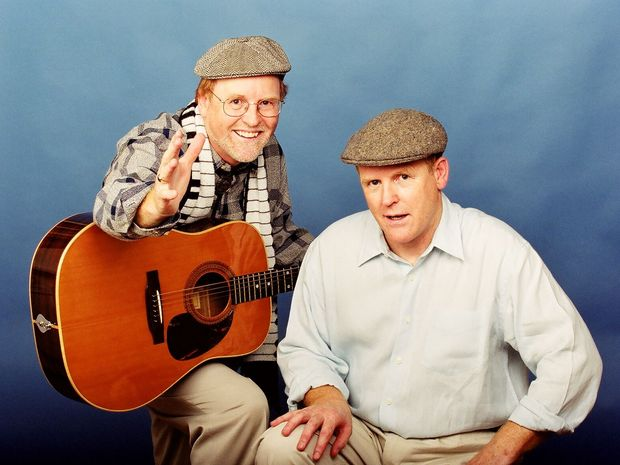 The Howie Brothers can be seen tonight at the Grafton District Services Club.