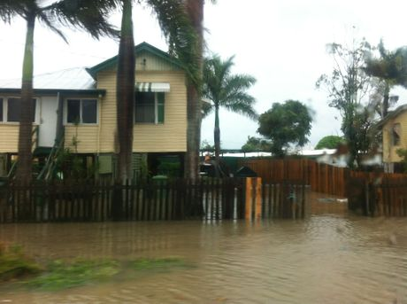 Flooding in Evans St, South Mackay.