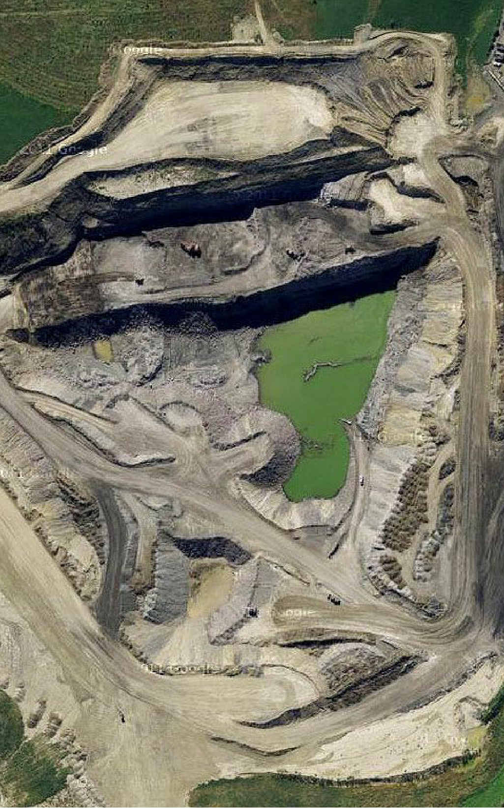 HOLE-ISTIC: An aerial view of the New Oakleigh Mine taken from Google Maps.