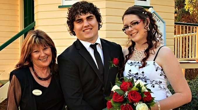 Hervey Bay's Cheryl Kidd has been named in the top 10 wedding celebrants in Australia. She wed Kristin and Brad Fox.