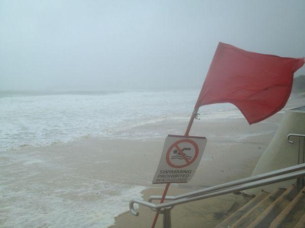 Wild weather mooloolaba beach closed