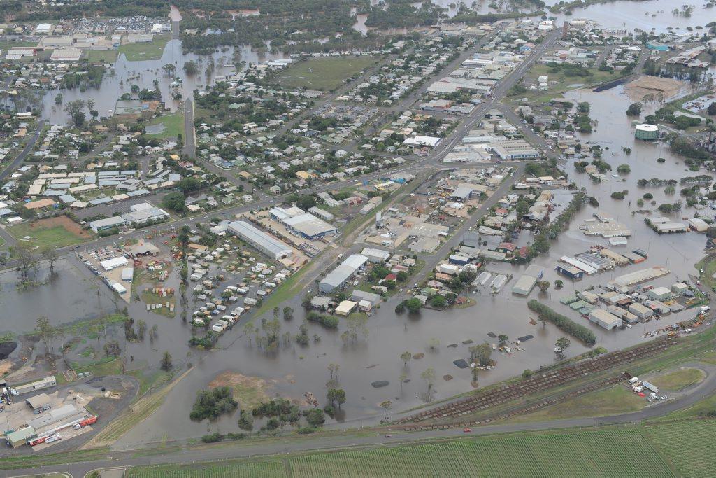 Bundaberg floods - Burnett River in flood.