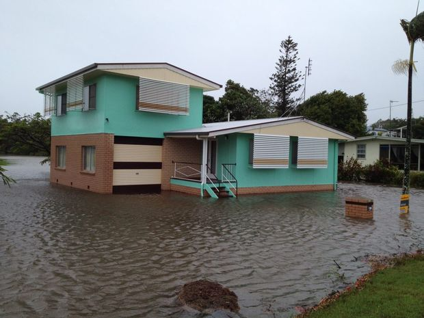 People who make changes to their homes to better withstand flooding should get a discount from insurers, the Mayor believes.