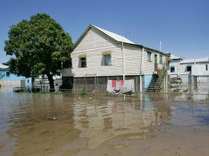 Flood warning Central QLD Feb 4, 2016