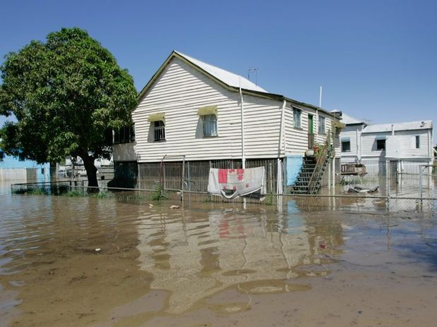 Flood inundated Arthur Street in Depot Hill as the Fitzroy River approaches 8.6m. Photo: Chris Ison / The Morning Bulletin