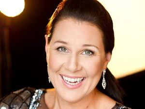 Julia Morris headlines at Women in Industry Conference