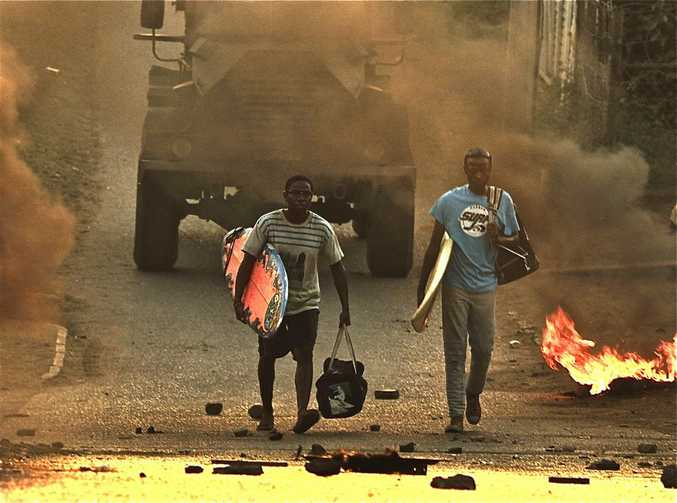 A scene from movie Otelo Burning.