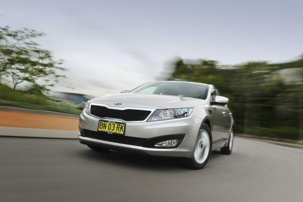 Car companies dangling finance carrot to buyers big rigs for Kia motors finance bill pay