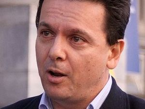 Xenophon takes aim  at shopper dockets