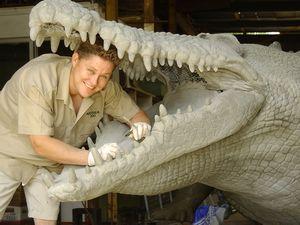 Australian Zoo sculptor Cameron Chapman gives a special tour