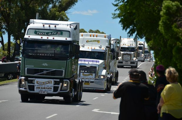 The start of the 10th annual Lights on the Hill convoy rolls into Gatton on Saturday morning. Nolans Transport led the convoy from both the Toowoomba and Archerfield ends. The Toowoomba convoy reached Gatton first. Photo Carly Morrissey / Big Rigs