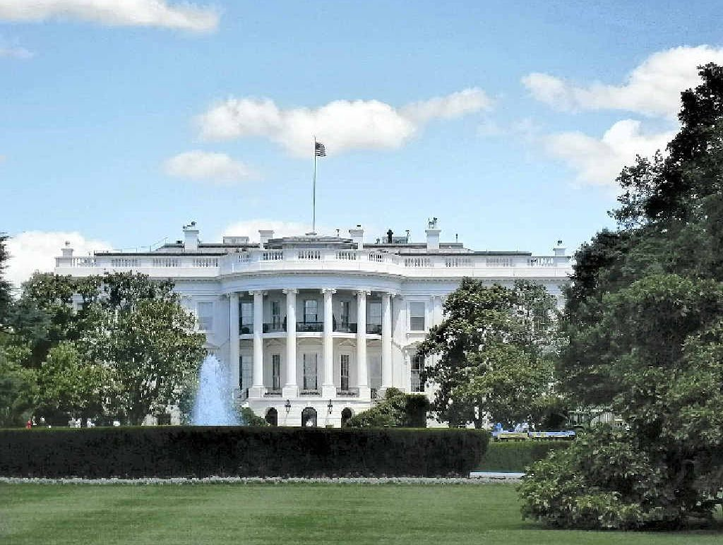 The nerve centre of the United States, the White House, stands out in all its glory.