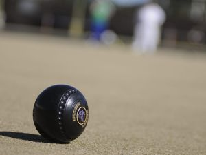 RSL bowling club offering new players free bowls, coaching