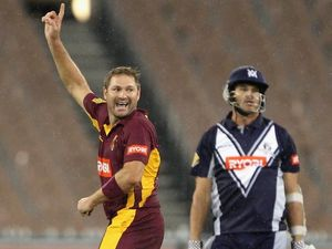 Fast bowler Harris makes mighty return to Shield cricket