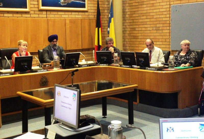 Councillors'air concerns about a caucus within the chamber.