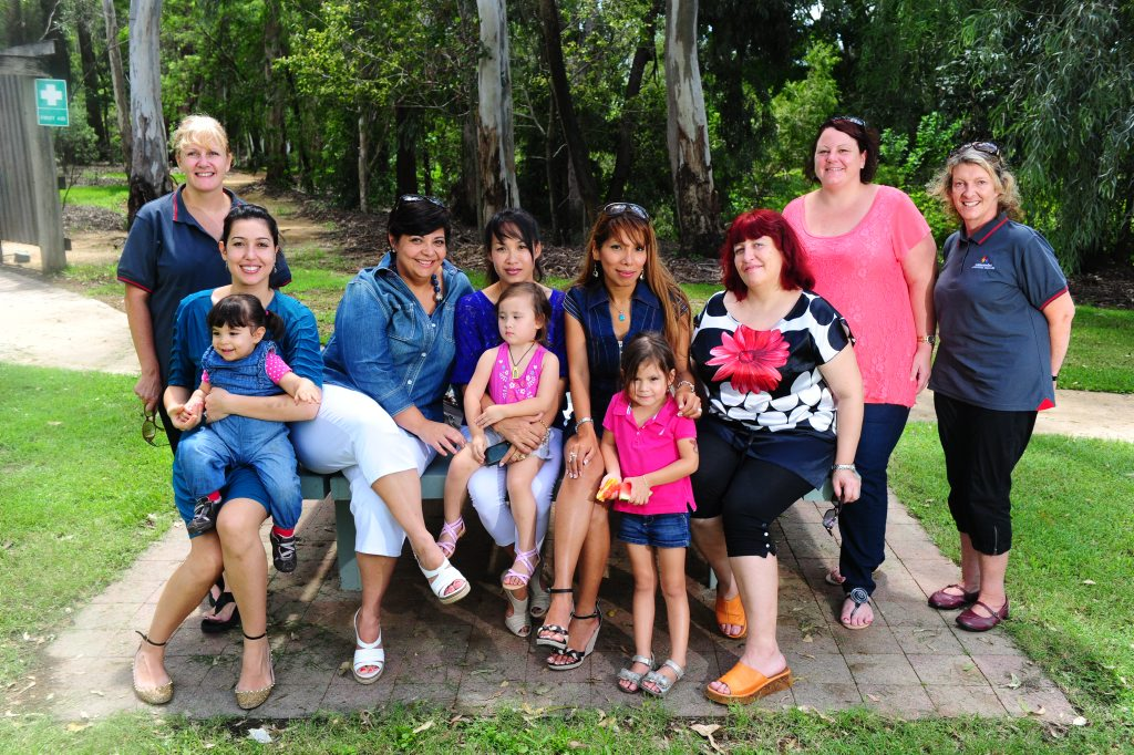 New residents enjoy the Welcome to Gladstone Morning Tea, Tondoon Botanic Gardens, Gladstone. (L-R) WIN Volunteer Jackie McCabe, Hajer Torjhan Nori with Kmak Rania Nossi, 16 months, Katia Anderson, Nualpahan Nok with Sala, 2, Rocio Espinoza with Sarah Rosendaal, Beata Lechonski, Jeanne Leary and WIN Volunteers Karolee Wade. Photo Tom Huntley / The Observer