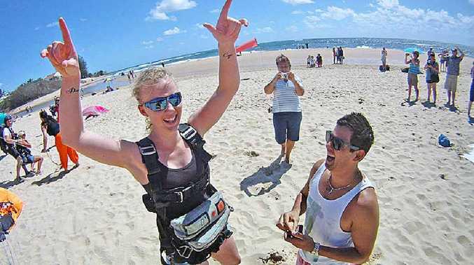 Chris Sarquis proposes to Jess Hudson after her parachute jump.