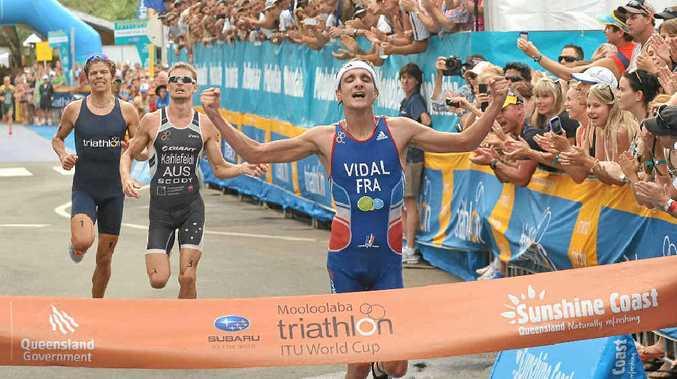 France's Laurent Vidal takes out last year's Mooloolaba Triathlon.