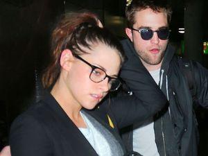 Robert Pattinson taking things 'slowly' with Kristen Stewart