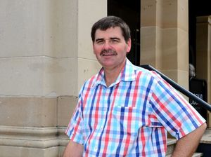 Support Schoolkids Bonus, Labor candidate tells Abbott