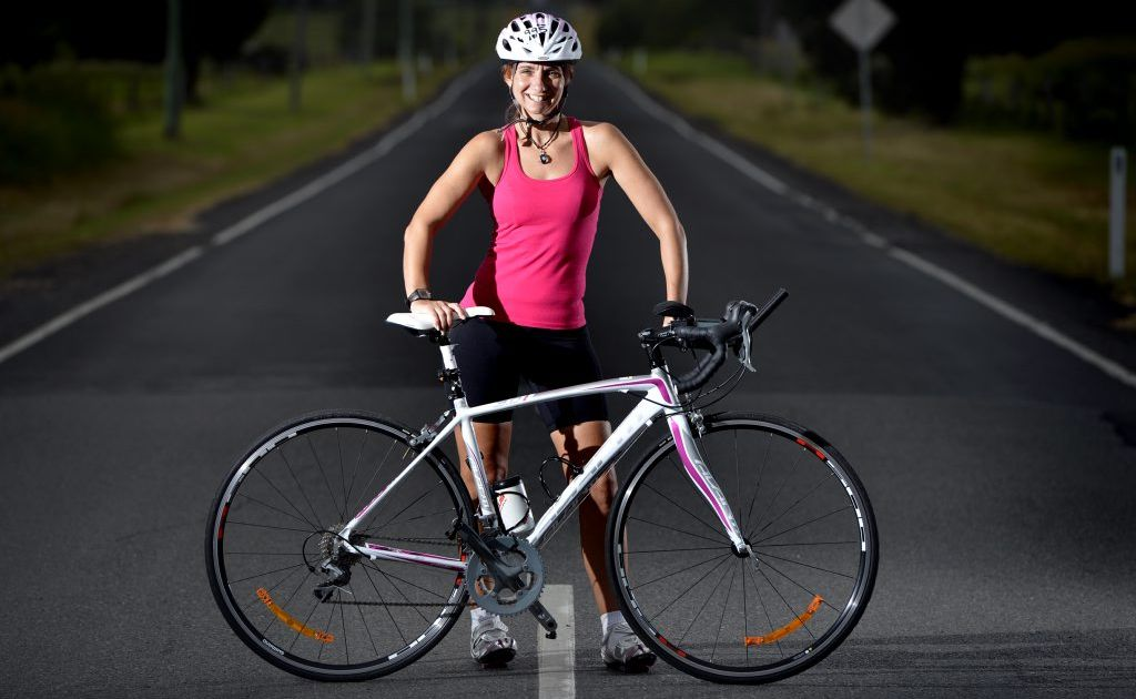 Donna Pottinger is cycling from Sydney to Alice Springs to raise money for the Starlight Foundation.