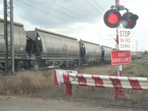 Four of 10 worst rail crossings in QLD are in Central QLD