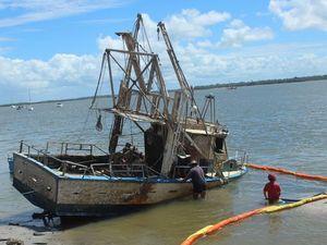 Water pumped from stricken trawler in Burrum Heads