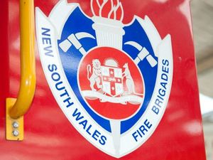 Car and boat 'well alight' on Summerland Way