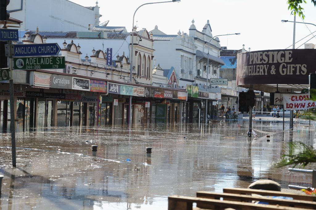 Flood-affected businesses, such as those in the Maryborough CBD, can attend a forum to help resolve insurance issues.