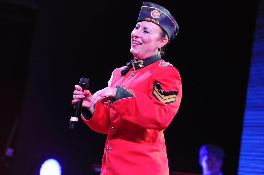 Miss Mandy Swings performs at Jazz 'n' Shiraz.