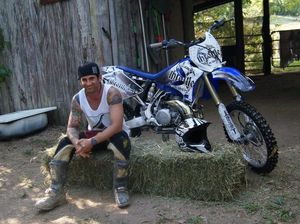 Former soldier invades world of motocross fashion