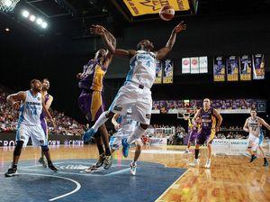 Bruton helps NZ Breakers best Kings in close game