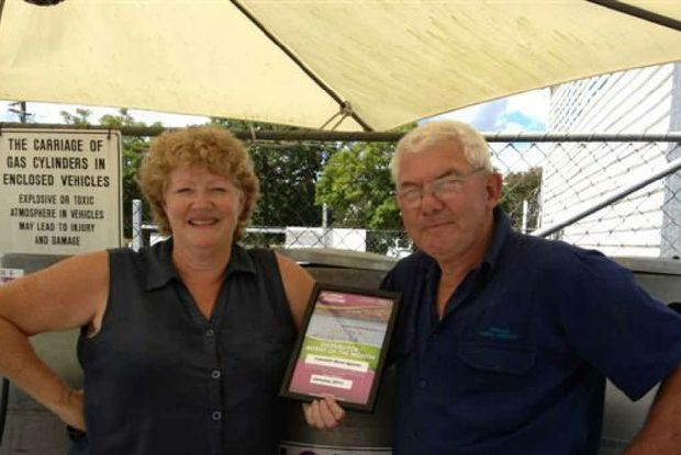 AWARD WINNERS: Joanne Cherry and Brian Wah of Tabulam Rural Agents with their Elgas Award. Photo contributed