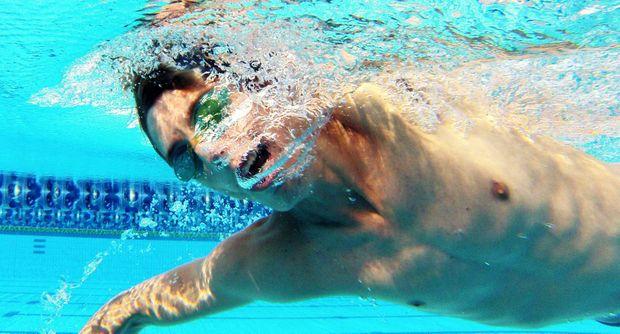 Jonty Dodson training at Rockhampton pool. Photo Allan Reinikka / The Morning Bulletin