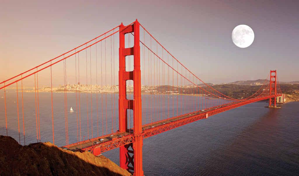 Full moon over the Golden Gate Bridge, San Francisco.