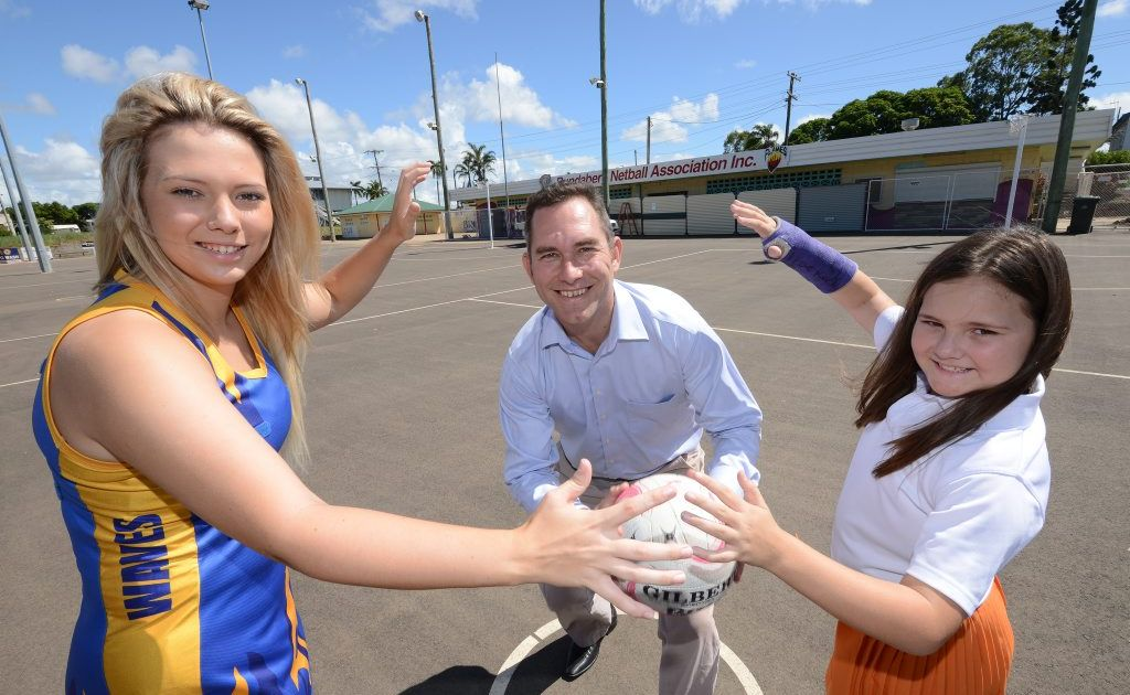 Keely Dood, Jason Yetton & Kendall Dood at the netball courts.