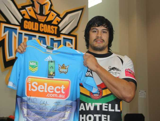 Gold Coast Titans  winger and former Sawtell Panthers player Kevin Gordon has donated a signed Titans jersey to help raise money for the family of Jake Kedzlie.