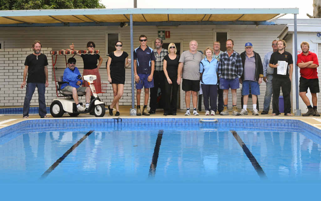 Community opposition to closing swimming pools in Ulmarra and Glenreagh has struck a chord with councillors.