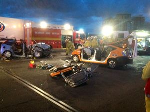 One dead after head-on crash on Story Bridge