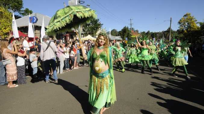 Gunja Queen Jaz Who at the 2012 Mardi Grass parade.