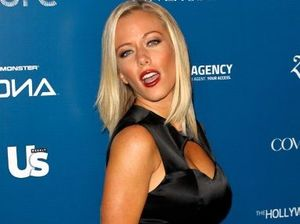 Kendra Wilkinson reveals drunken sex with Hugh Hefner